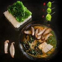 Мисо супа и Уакаме ориз